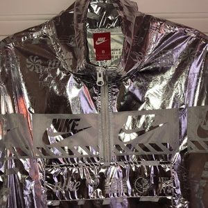 Awesome Nike reflective windbreaker jacket!